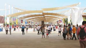 EXPO 2015 - Der Decumano, die Hauptachse des Expo-Geländes, ist 1,4 Kilometer lang / Foto: © Stefan Dömelt/comrhein