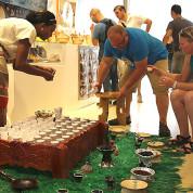 EXPO 2015 - Clusters: Kaffee - Äthiopien lässt Besucher Kaffee probieren / © Stefan Dömelt/comrhein