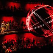 """Besucherstimmen bringen die 3-Meter-Kugel im deutschen Pavillon auf der EXPO 2010 in Shanghai in Schwingung. Foto: © Milla & Partner / Architektur: Schmidhuber + Kaindl"""""""