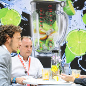 Face-to-Face-Kommunikation auf der IFA – Official Partner of the Future - Foto: Messe Berlin