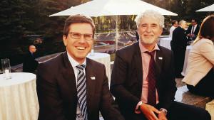Denis Steker (li.) und Dirk van der Coelen (re.) auf dem Empfang des Deutschen Pavillons in Astana. Foto: Christian Papert