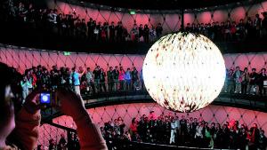 Die mit über 400.000 LEDs besetzte interaktive und sprachgesteuerte Kugel im Deutschen Pavillon auf der  EXPO 2010 in Shanghai - Foto:  Deutscher Pavillon