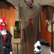 Der Vielfalt an Maskeraden waren auf der Spielwarenmesse keine Grenzen gesetzt – egal ob man sich gerne als Hahn, Panda oder doch als Mops verkleidet.